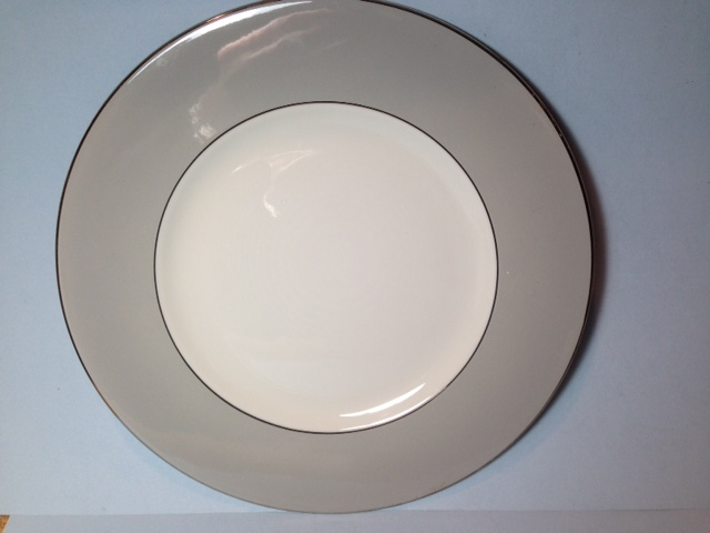 Make sure your browser can show photos and reload this page to see Syracuse China Debutante Dinner plate --10 1/4