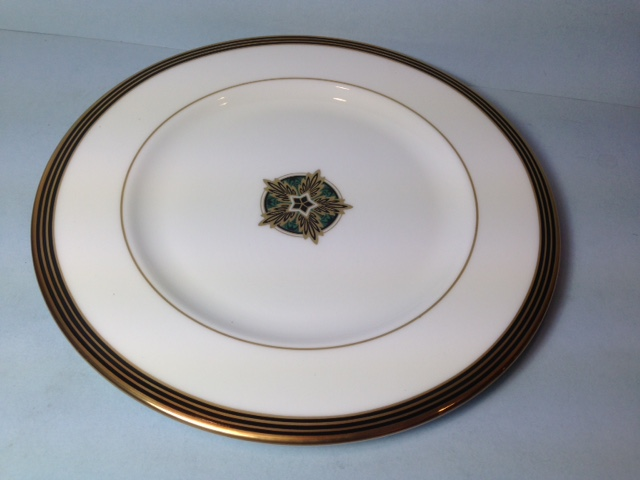 Make sure your browser can show photos and reload this page to see Lenox China Federal Grandeur Salad plate