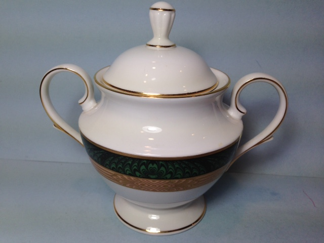 Make sure your browser can show photos and reload this page to see Lenox China Federal Grandeur Sugar bowl with lid