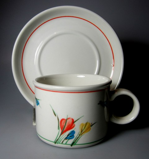 Make sure your browser can show photos and reload this page to see Midwinter Ltd., W.R. Pottery Crocus Cup and saucer set