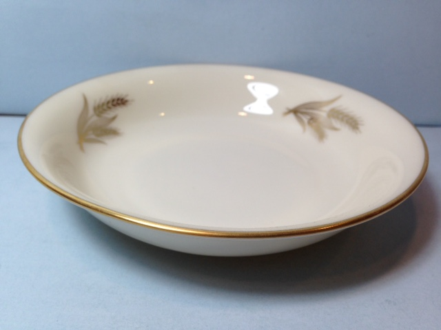 Make sure your browser can show photos and reload this page to see Lenox China Harvest Fruit/dessert bowl --5 1/2