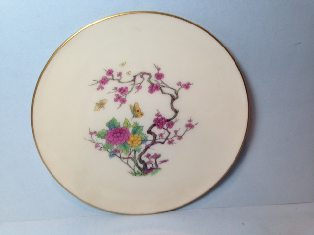 Make sure your browser can show photos and reload this page to see Lenox China Ming Coupe X300 Dinner plate