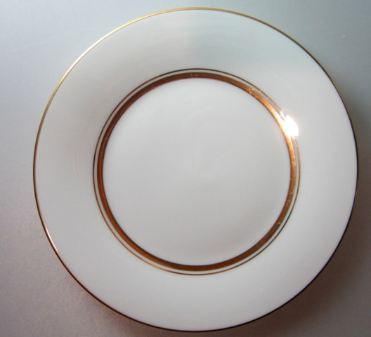 Make sure your browser can show photos and reload this page to see Noritake China Gloria 6526 Salad plate 8 1/4