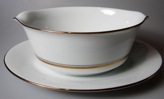 Make sure your browser can show photos and reload this page to see Noritake China Gloria 6526 Gravy-attached stand