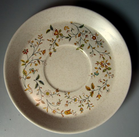 Make sure your browser can show photos and reload this page to see Lenox China Merriment  Saucer only 5 3/4