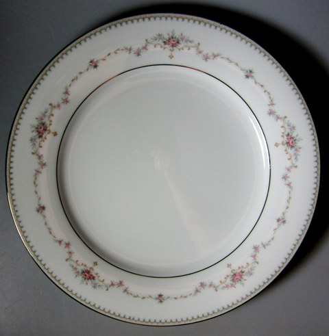 Make sure your browser can show photos and reload this page to see Noritake China Fairmont 6102 Dinner plate 10 1/2