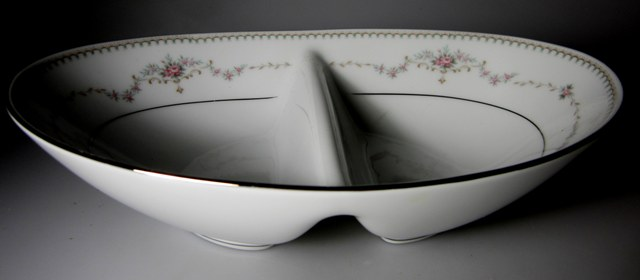 Make sure your browser can show photos and reload this page to see Noritake China Fairmont 6102 Oval veg, divided  10 1/4