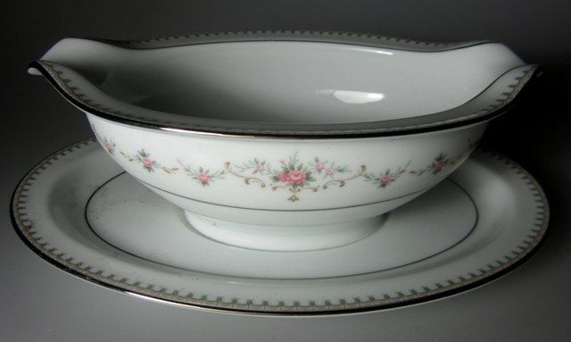 Make sure your browser can show photos and reload this page to see Noritake China Fairmont 6102 Gravy-attached stand