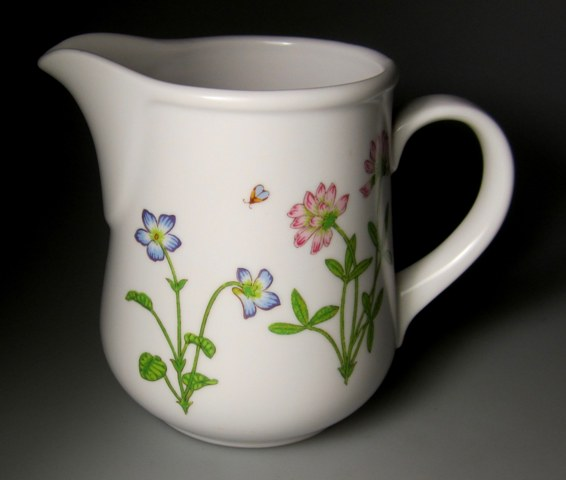 Make sure your browser can show photos and reload this page to see Noritake China Petals Plus 9071 Creamer