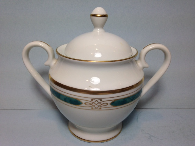 Make sure your browser can show photos and reload this page to see Gorham China Regalia Court - Teal Sugar bowl with lid