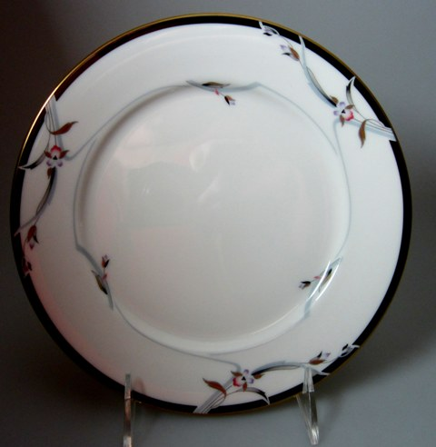 Make sure your browser can show photos and reload this page to see Gorham China Manhattan Salad plate  8 1/4