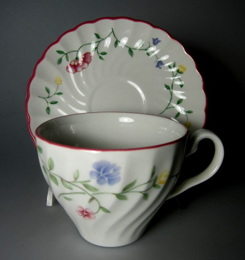 Make sure your browser can show photos and reload this page to see Johnson Brothers Dinnerware  Summer Chintz Cup and saucer set  2 5/8