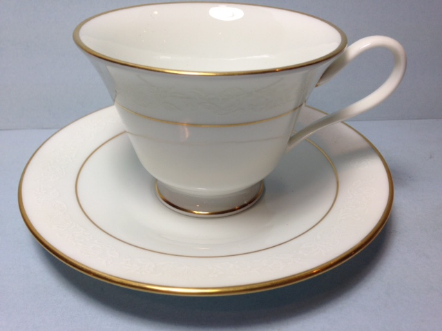 Make sure your browser can show photos and reload this page to see Oxford (Div Of Lenox) China White Lace Cup and saucer set
