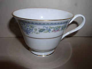 Make sure your browser can show photos and reload this page to see Oxford (Div Of Lenox) China Holyoke Cup only (no saucer)