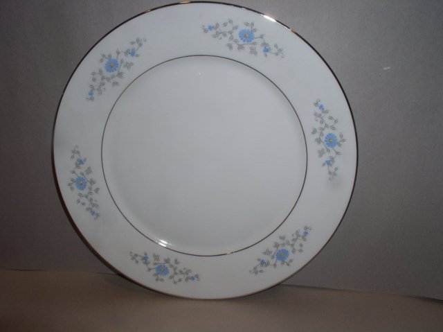 Make sure your browser can show photos and reload this page to see Oxford (Div Of Lenox) China Foxcroft Dinner plate