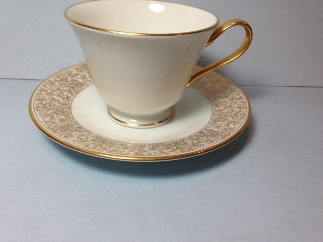 Make sure your browser can show photos and reload this page to see Oxford (Div Of Lenox) China Georgian Court Cup and saucer set