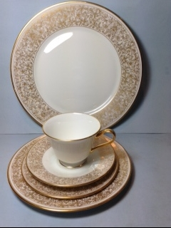 Make sure your browser can show photos and reload this page to see Oxford (Div Of Lenox) China Georgian Court Place setting 5-piece