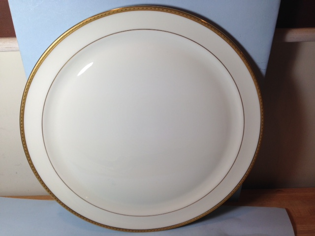 Make sure your browser can show photos and reload this page to see Lenox China Giftware Chop/round platter --14 1/2